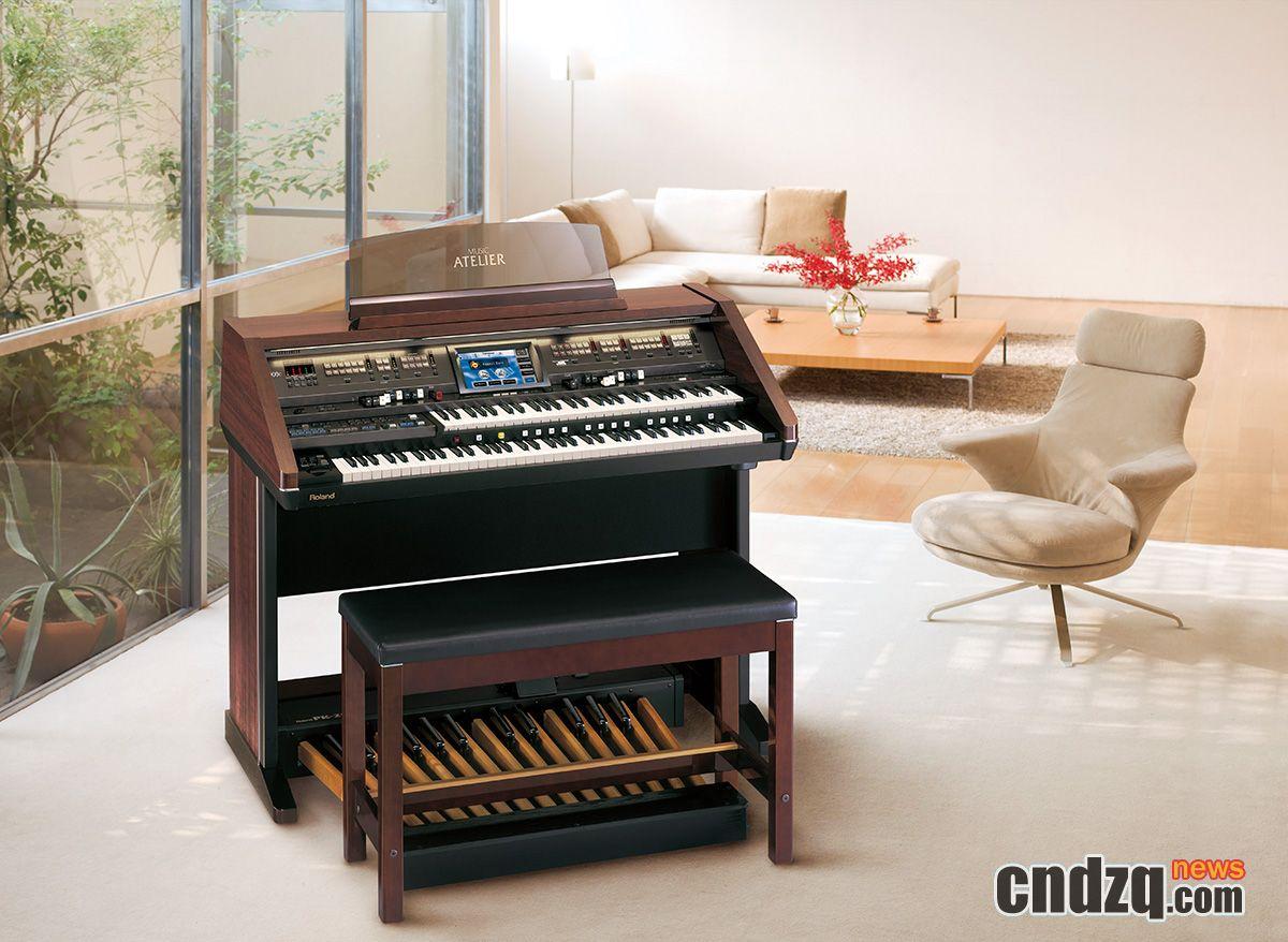 [新闻图片]roland 最新 at-900c 双排键电子管风琴的超清晰大图欣赏图片