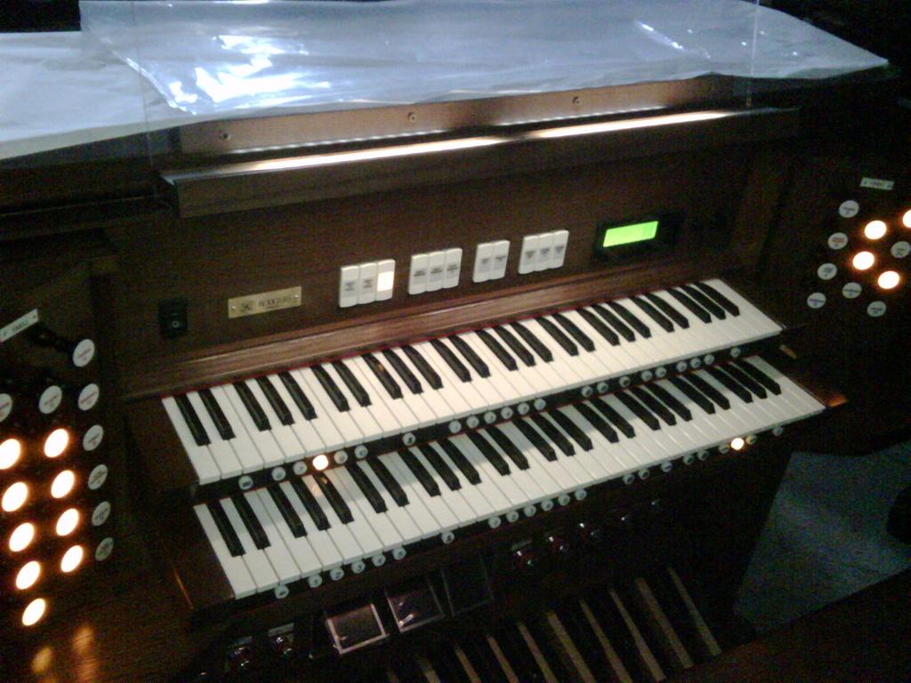 双排键电子琴学习区 69 [分享][欣赏]北京西直门天主教堂的新管风琴图片