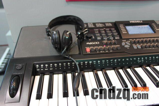 [2011'上海国际乐展]medeli(美德理) 电子琴产品报道·猛兽即将到